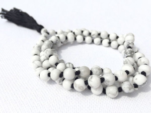 What are Mala Meditation Beads Meanings by Color? - Awake